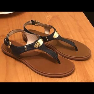 Michael Kors Plate Flat Thong Sandal - navy - 6.5